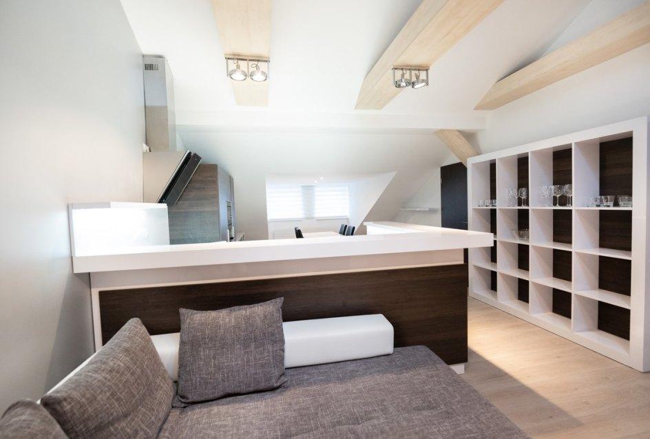 Obývacia izba s kuchyňou v 3-izbovom byte na Botovej v Žiline