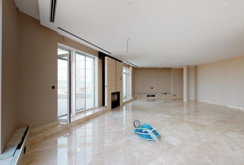Priestranná obývacia izba Spáľňa v 3-izbovom penthouse v Panorama Towers