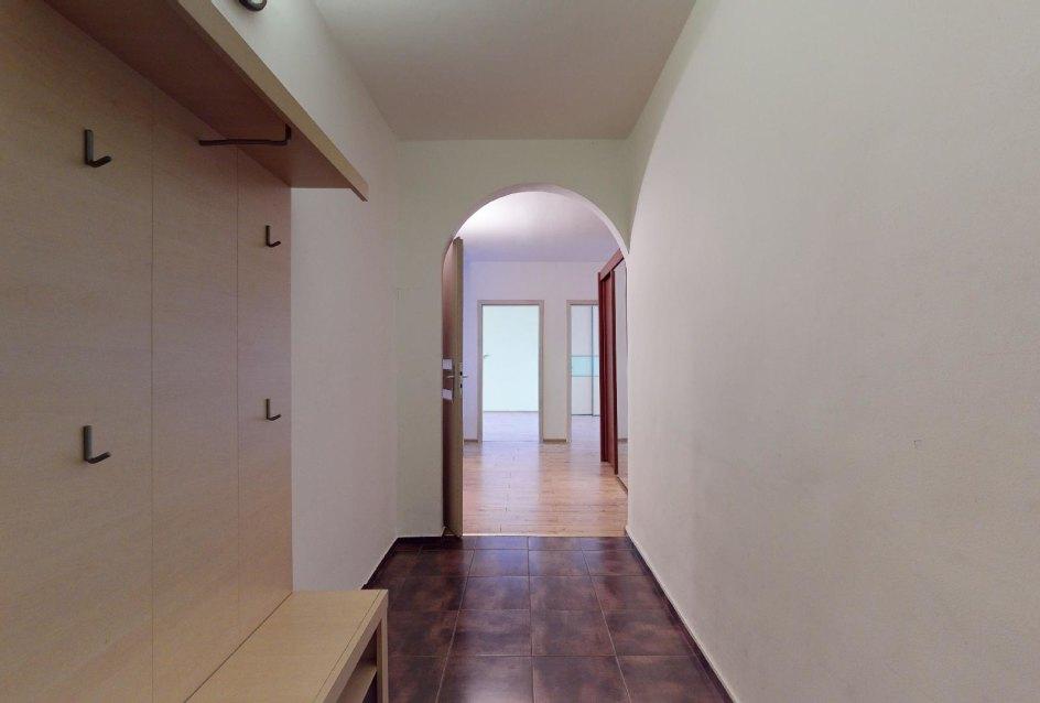 Predsieň v 2-izbovom byte na Považanovej ulici v Dúbravke