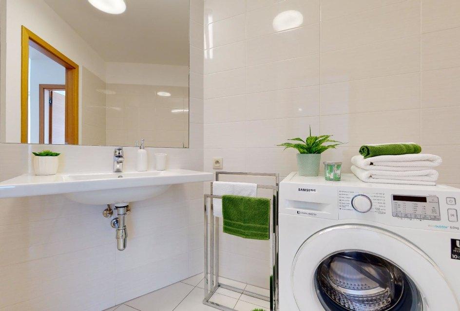 Moderná kúpeľňa v 2-izbovom byte v Panorama Towers - Eurovea City