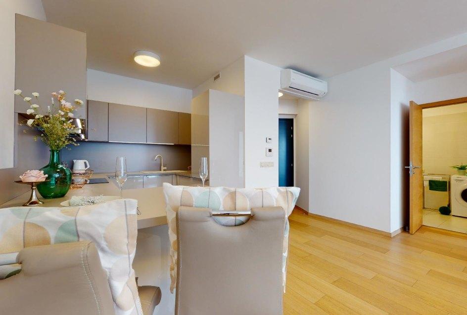 kuchyňa a sedenie