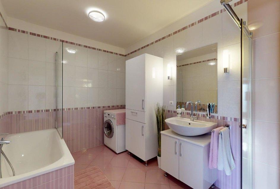 vaňa a kúpeľňový nábytok