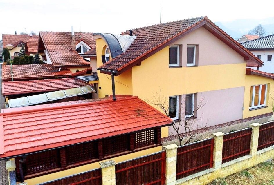 vrchný pohľad na dom