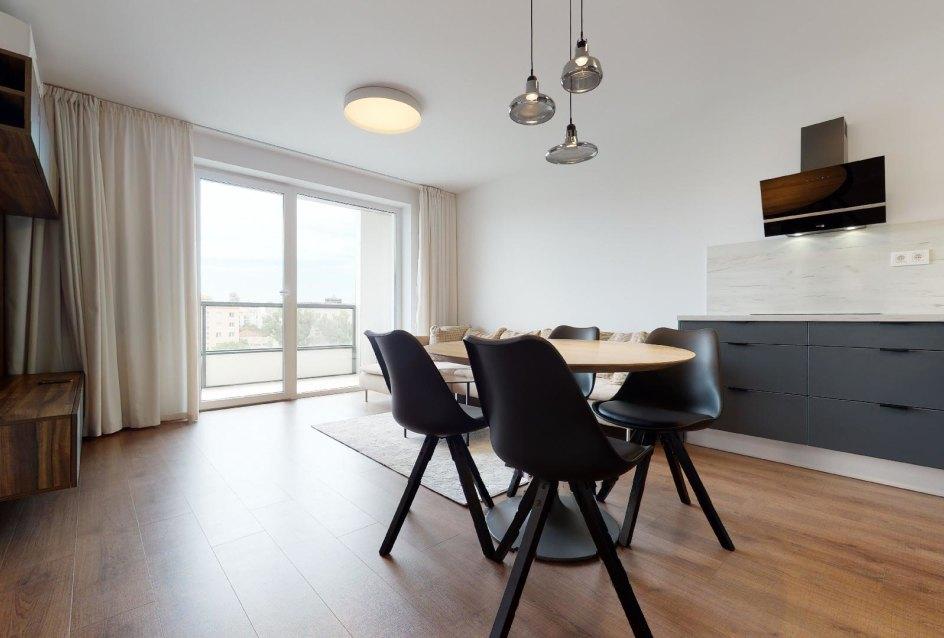Pohľad na obývaciu izbu