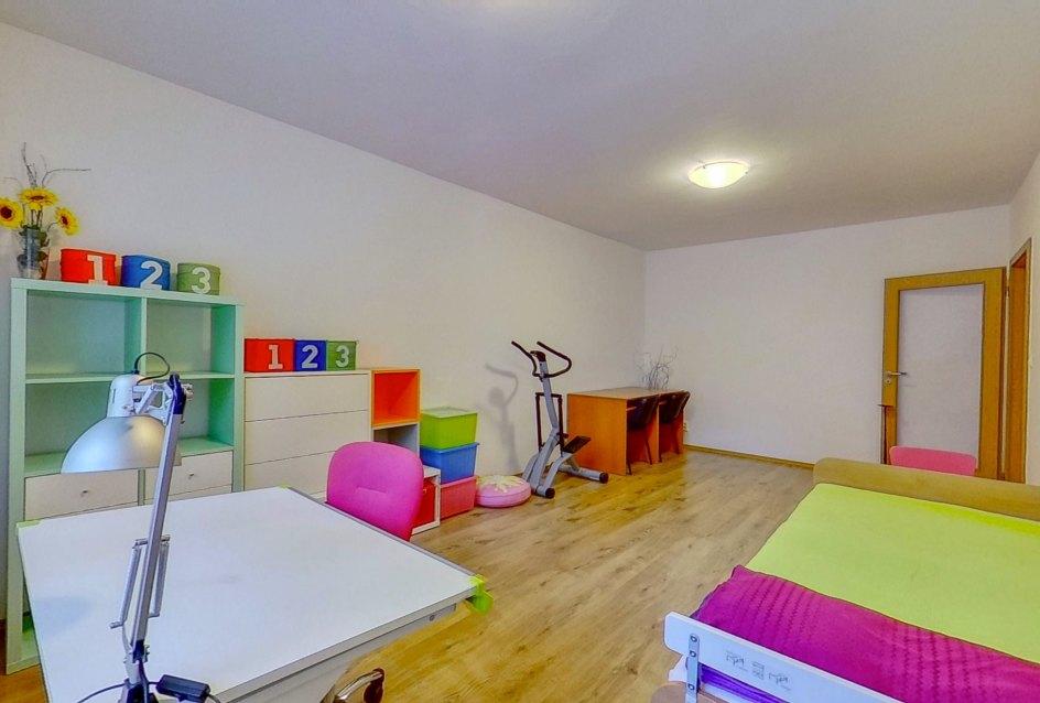 Pohľad na nábytok v detskej izbe
