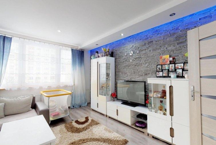 Obývacia izba 3-izbového bytu v Čadci