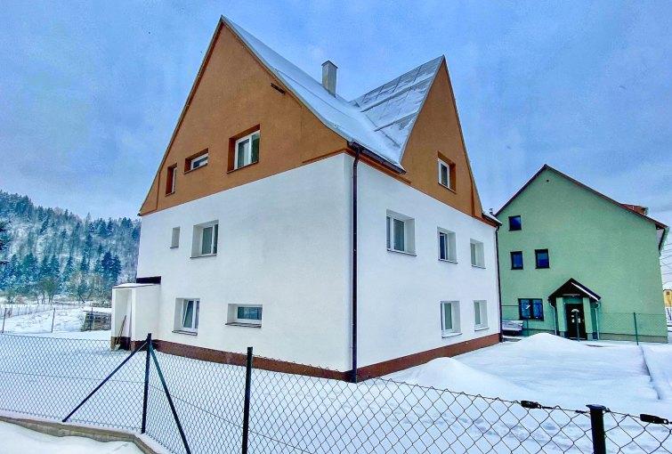 rodinný dom s 3 bytmi