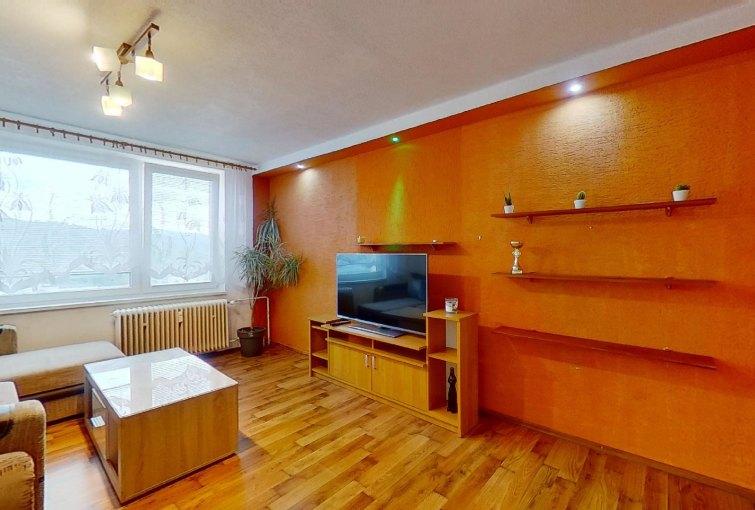 Obývacia izba v 2-izbovom byte na Janka Kráľa v Čadca