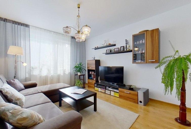 Obývacia izba 3-izbového bytu na Jana Kráľa v Čadci