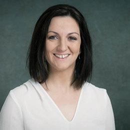 finančný agent, Nadežda Helíková