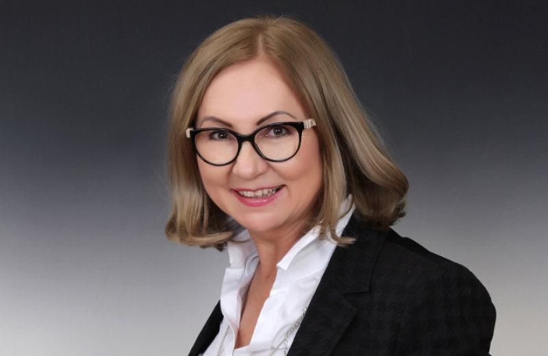 Gabriela Bevelaqua, realitný a finančný agent