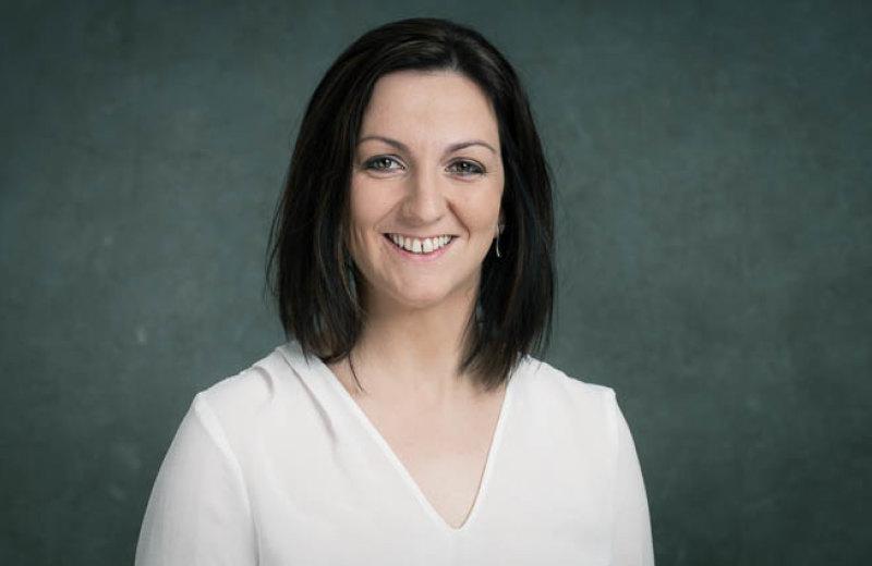 Nadežda Helíková, finančný agent