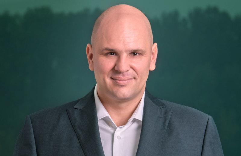 riaditeľ spoločnosti a realitný agent, Róbert Posolda, RSc.